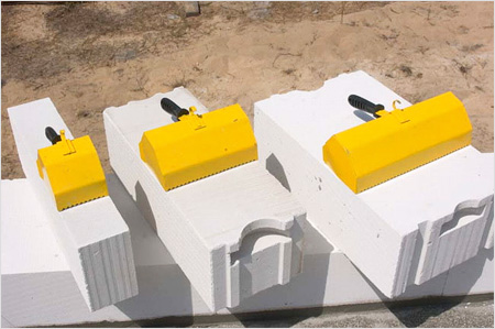 Очень важно нанять хорошую бригаду для строительства дома из газобетона.
