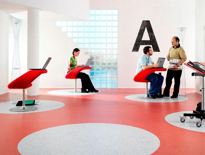 Коммерческий линолеум в современном офисе