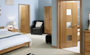 Межкомнатные двери в доме: установка