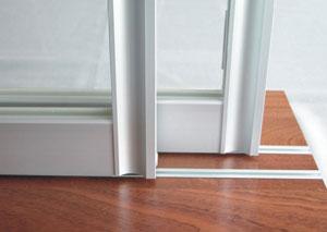 Направляющие полозья раздвижных дверей