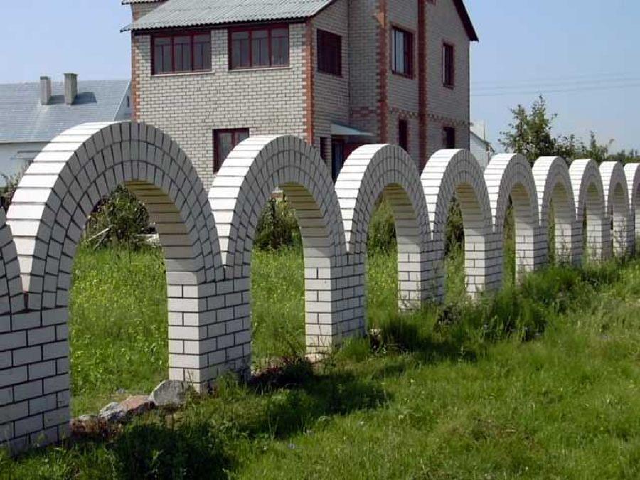 дом и забор