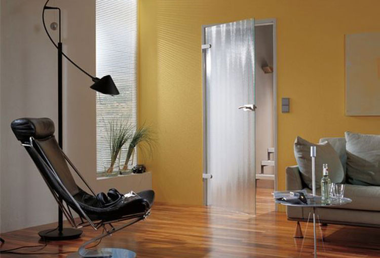 Стеклянная рифленая дверь