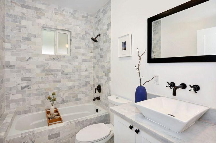 Декор ванной керамической плиткой