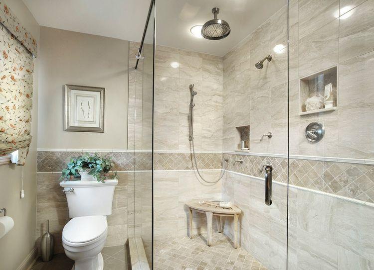 Декор ванной комнаты плиткой в бежевых цветах