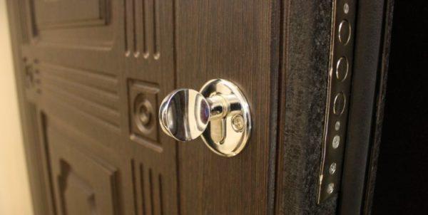 посоветуйте вторую входную дверь